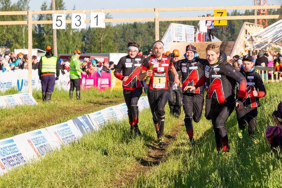 Команда  Kalevan Rastin на пути к победе